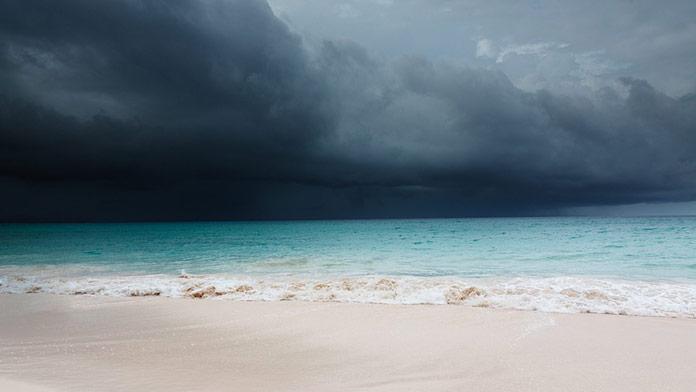 V Chorvátsku zabil blesk 25-ročného muža počas kúpania v mori