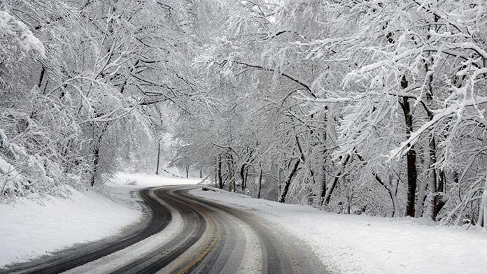 Dávajte si pozor: Meteorológovia zvýšili výstrahu na 2. stupeň pred silnými závejmi