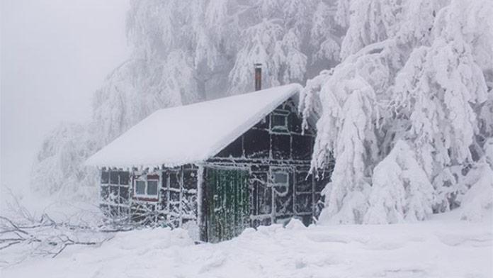 Vydané výstrahy 2. stupňa pred snežením: TU môže napadnúť až do 80 cm snehu!