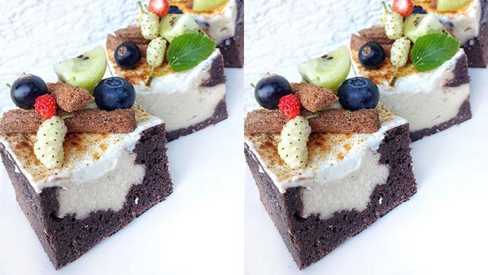 Kakaovo-pudingový koláč s kokosovým mliekom, ktorý zvládnu upiecť aj začiatočníci