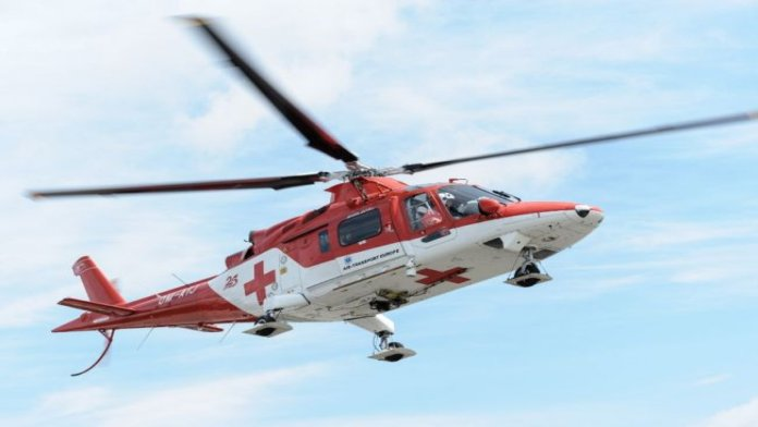Vážna nehoda v okrese Čadca: 17-ročného mladíka musel prevážať vrtuľník