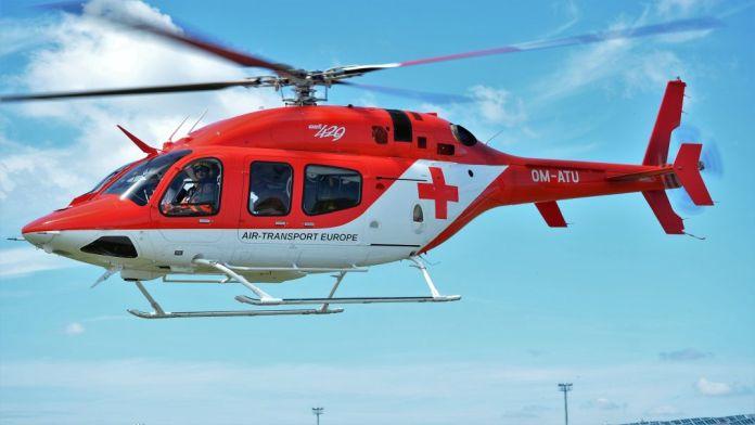 Vážna nehoda pri Senci: Spolujazdkyňu musel do nemocnice prevážať vrtuľník