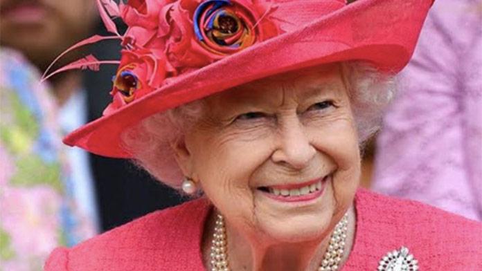 Turisti sa stretli s kráľovnou Alžbetou, no nespoznali ju: Jej reakcia je skutočne trefná
