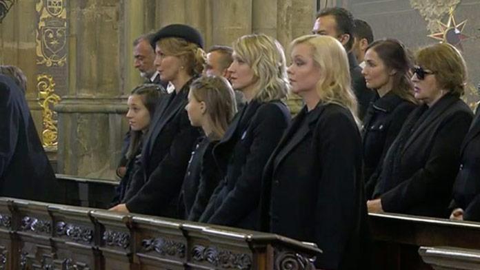 Posledné zbohom v krematóriu: Najťažšie chvíle pre Gottove dcéry, Charlottka chýbala
