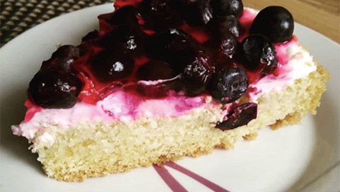 Fantastický koláč pre lenivé gazdinky: Stačí chvíľka a dobrota je na stole!
