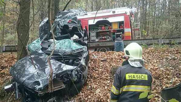 Desivá nehoda pri Starej Turej: 30-ročného muža prevážali leteckí záchranári