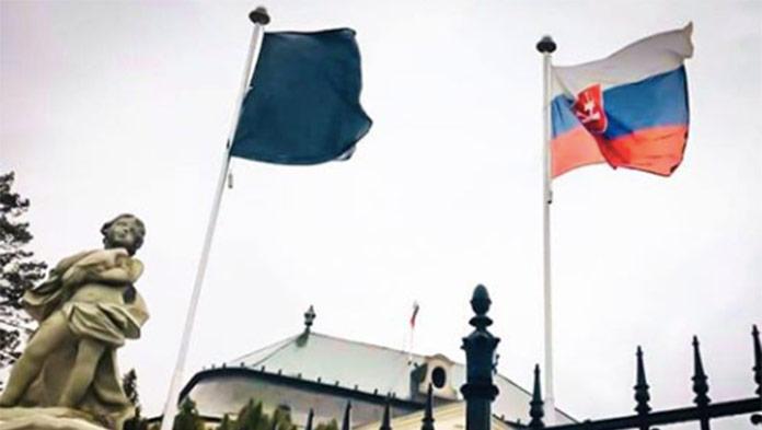 Vláda schválila štátny smútok: Premiér oznámil deň a čas