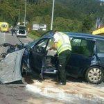 Pri vážnej dopravnej nehode sa zranilo niekoľko osôb, na mieste zasahovali aj leteckí záchranári